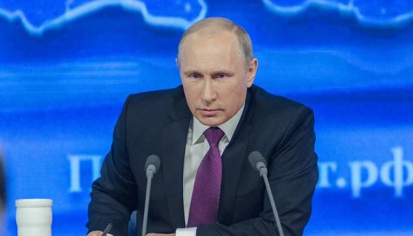 Почему Владимир Путин не нос…