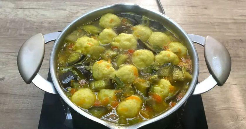 Овощной суп с сырными шариками: объедение быстрого приготовления