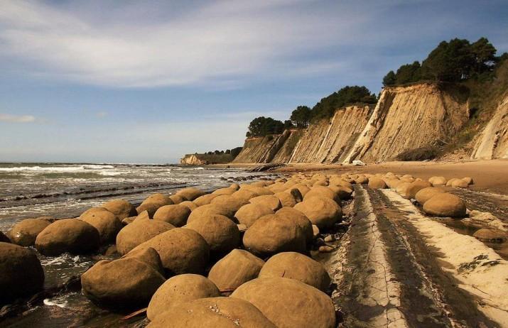 Пляж катящихся камней, Калифорния