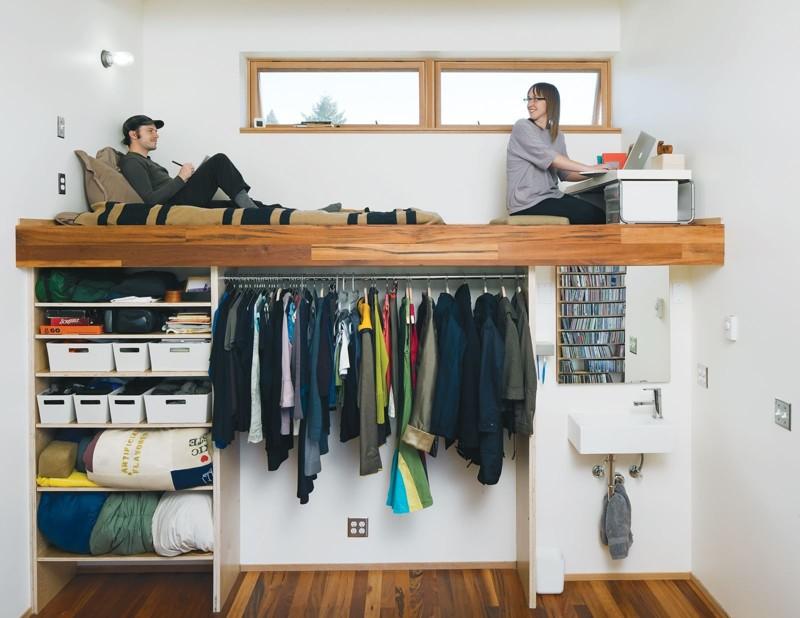А может быть и вообще под гардероб. Тут всё ограничивается лишь вашей фантазией двухъярусная кровать, дизайн, идеи, маленькая квартира