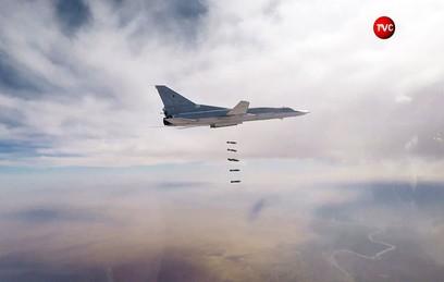 Шесть Ту-22М3 уничтожили объекты ИГ в районе Абу-Кемаля в Сирии