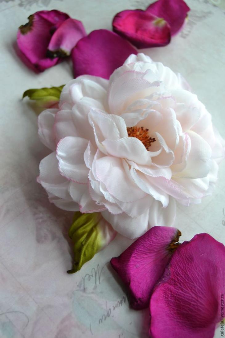 Цветы из ткани из ленты своими руками