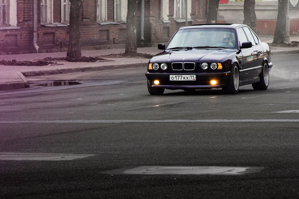 Photo: BMW 5-series e34