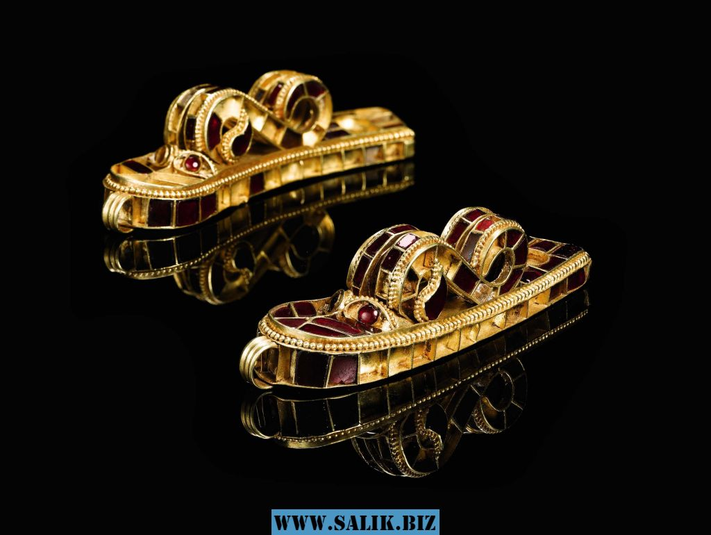 Золотые украшения Аттилы.