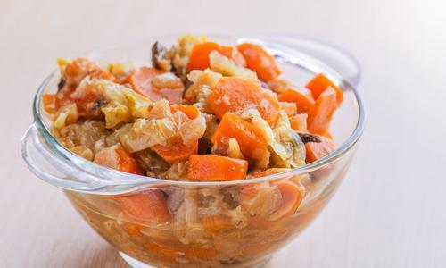 Салат-закуска с рисом, кабачками и баклажанами на зиму