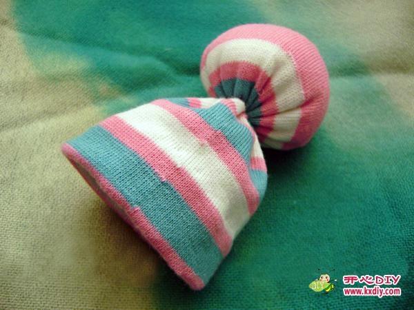 игрушки из носков. куколка и зайчик (19) (600x450, 140Kb)