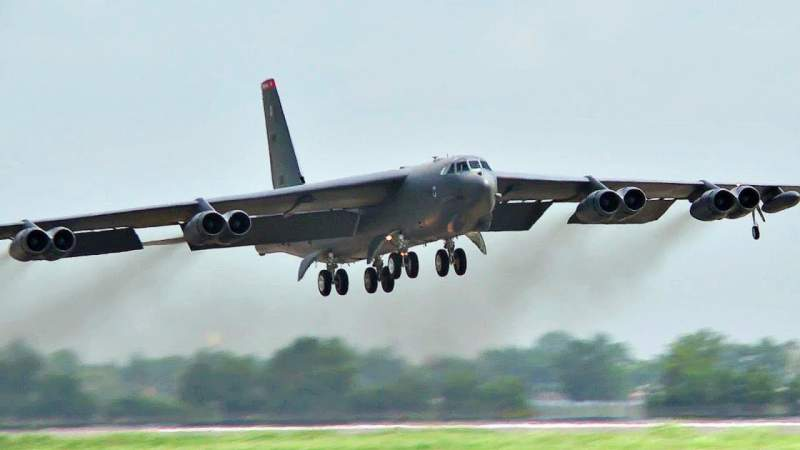 Дешевая игра мускулами: США перебросили в ЕС стратегические бомбардировщики