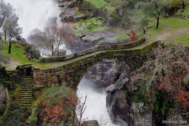 Старинные загадочные мосты со всего мира - 40 фото