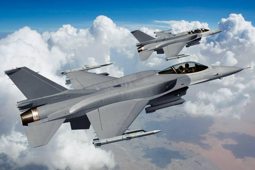 Авиация НАТО сопровождала самолеты РФ в небе над Балтикой