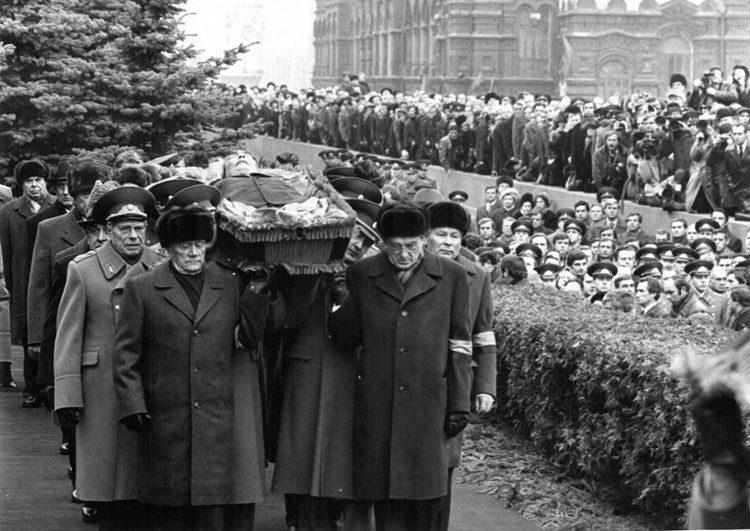 Похороны Брежнева. Похороны первых лиц: как хоронили Ленина, Сталина, Хрущева, Брежнева, Андропова