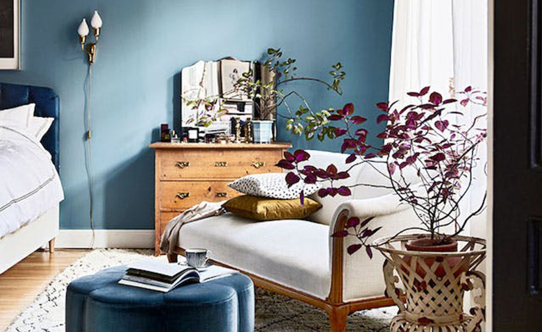 Нескучные цвета для спальни: 9 примеров