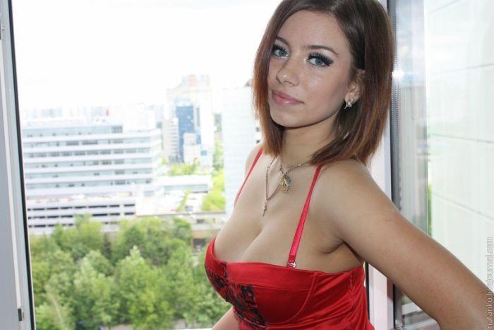 russkie-devushki-gotovyatsya-k-kastingu-onlayn