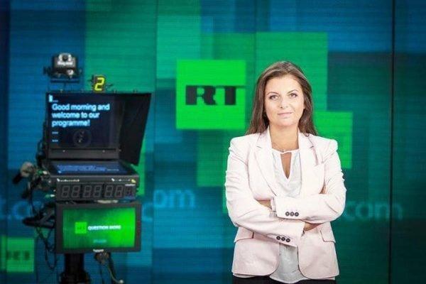 «Над вами нависли отставка, увольнение и метеоризм?»: Симоньян подколола Мэй за слова об «угрозе» RT