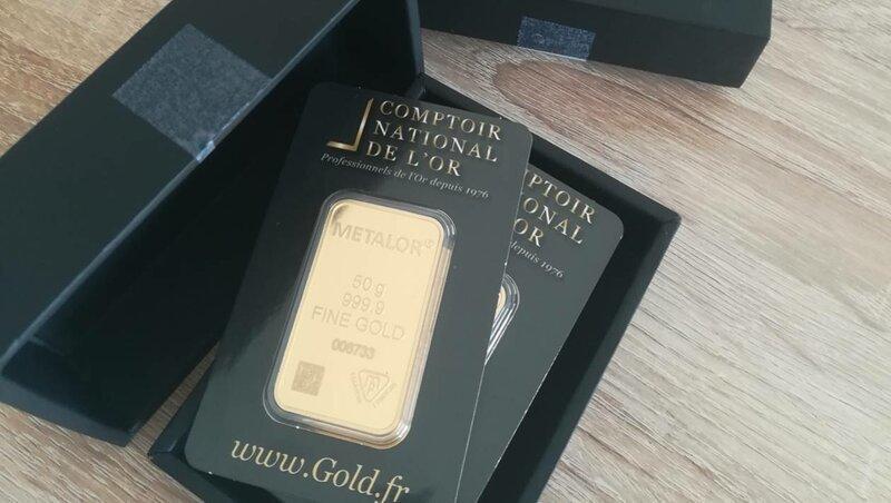 Француз получил по почте золотые слитки вместо купальника