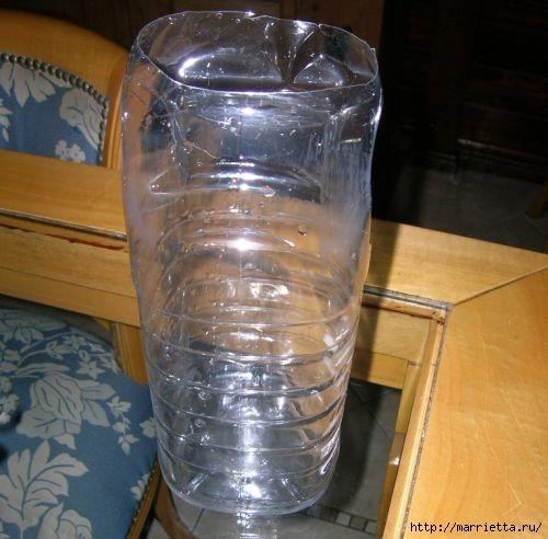 Фидер из пластиковых бутылок для кормления домашних питомцев