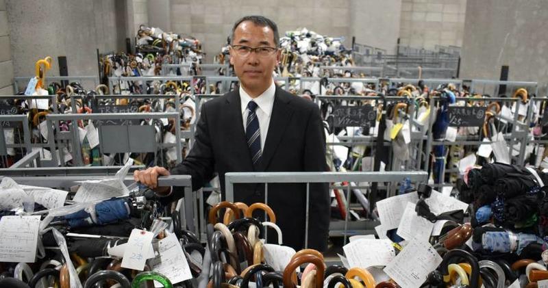 «За прошлый год жители Токио нашли и передали в полицию почти 4 миллиарда долларов»: что можно найти в японском центре забытых вещей