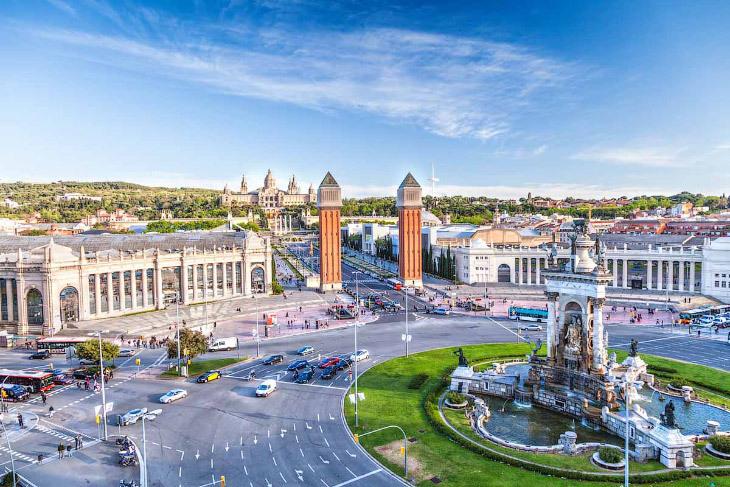 Города с постоянно большим количеством туристов