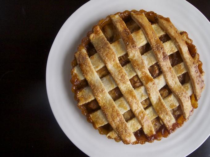 Карамельный грушевый пирог