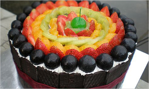 Торт украшенный фруктами своими руками