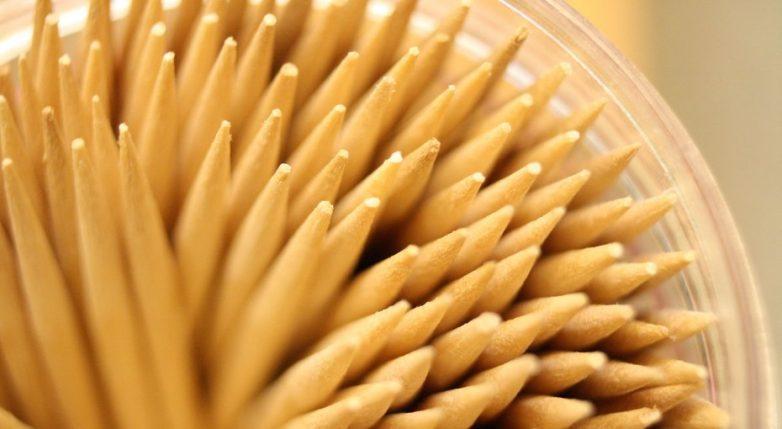 15 необычных способов использования простой деревянной зубочистки!