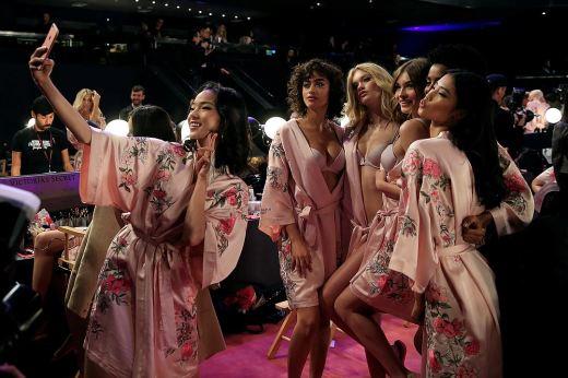 Почему русских топ-моделей не пустили на шоу Victoria's Secret-2017 в Китай