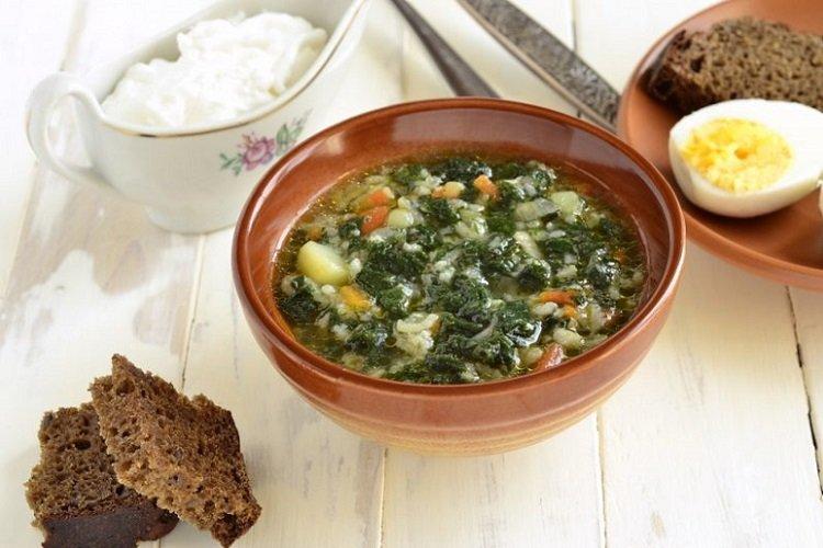Рисовый суп с крапивой