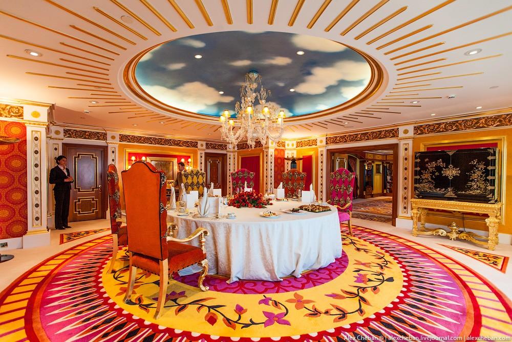 BurjAlArab41 Золото для шейхов и олигархов: самый дорогой номер в семизвездочном отеле Burj Al Arab
