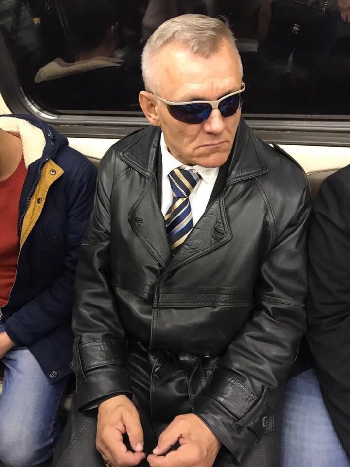 2. Агент Смит выбрался из Матрицы мдники, метро, смешно, фото