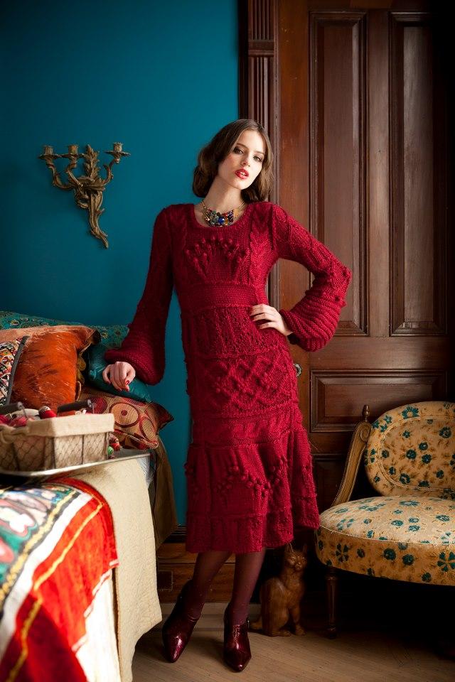 Красное рельефное платье  9235b84e3bb6c