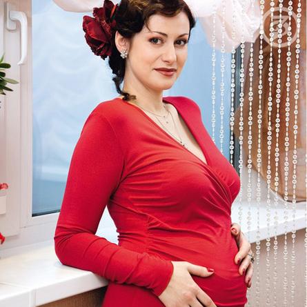 Анна Ковальчук записала видео своих родов