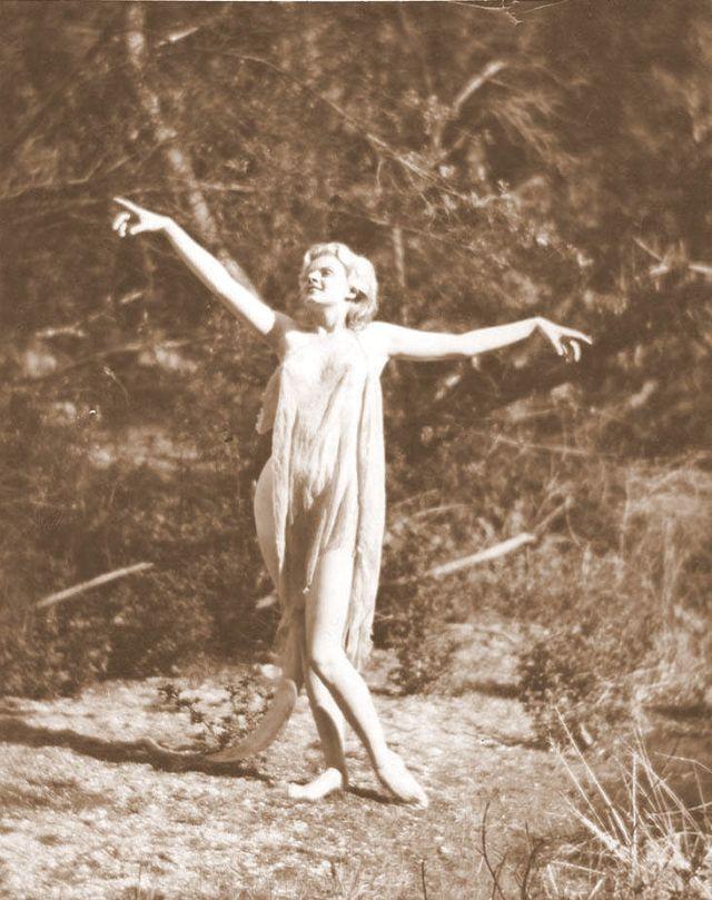Jean Harlow Taken by Edwin Bower Hesser, 1929 (33).jpg