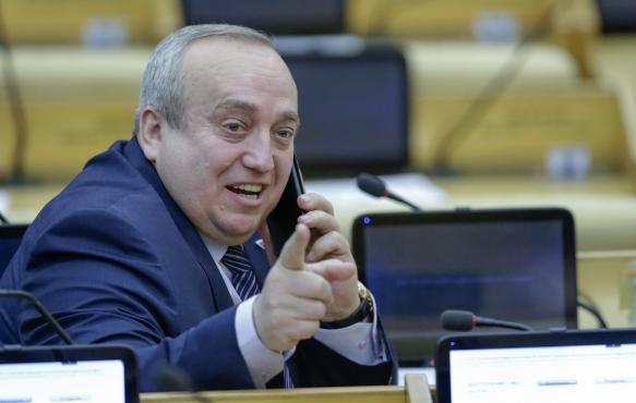 Клинцевич рассказал, что в Европе военная техника замерзает при -9, а они Россию завоевать хотят