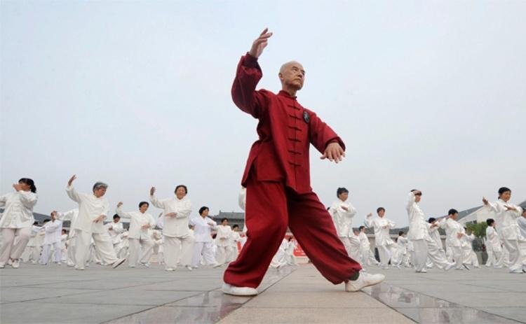 8 кусков парчи: китайская утренняя зарядка