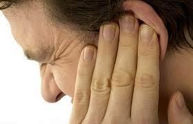 Шум и стук в ушах — причины и лечение