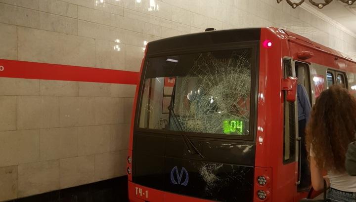 Солдат чудом пережил падение под поезд в петербургском метро