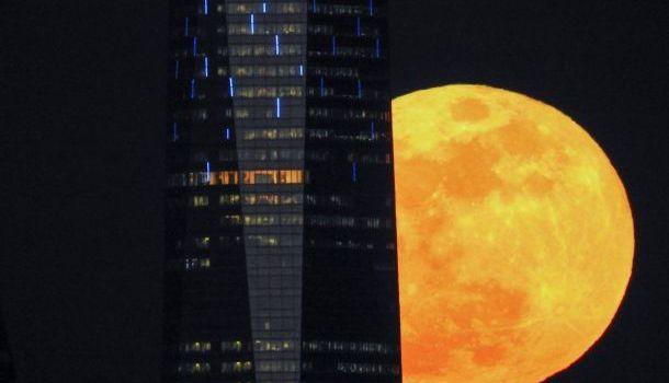 Китайцы хотят запустить в небо «искусственную луну» для освещения улиц