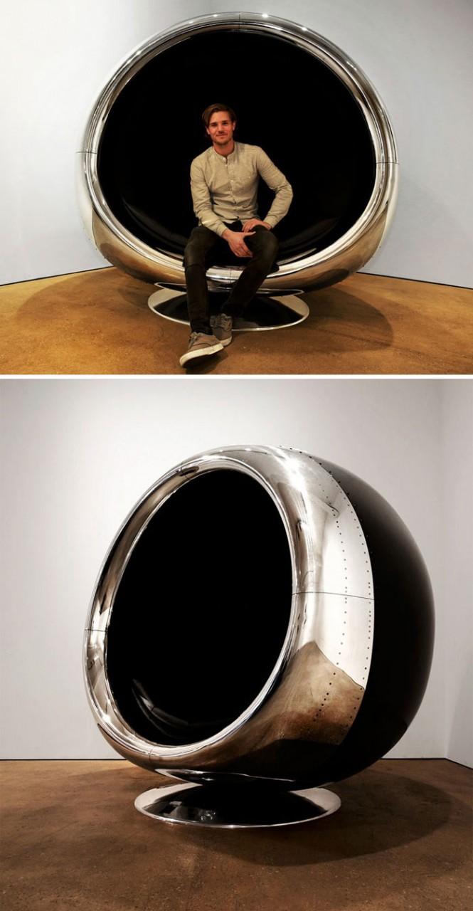 Классная мебель, сделанная из деталей самолетов