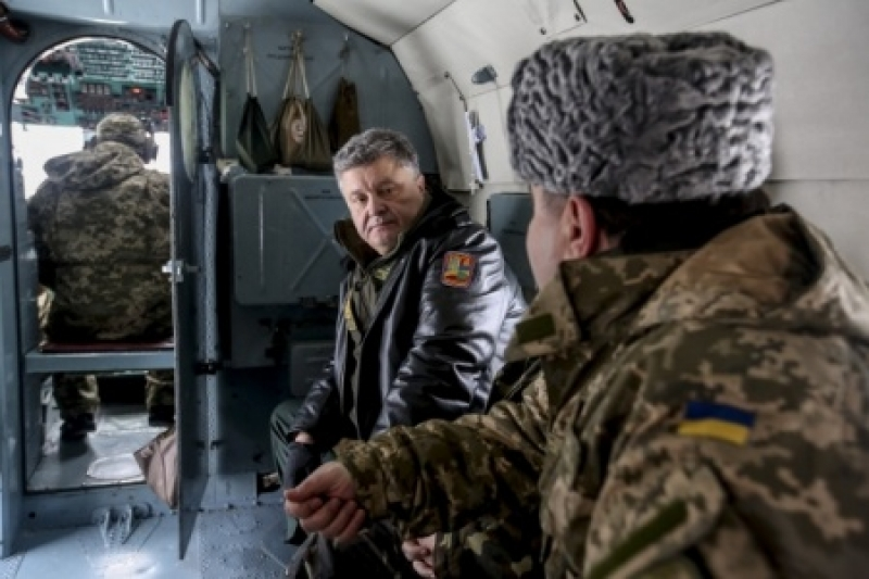 Выборы в Украине? Забудьте! Порошенко готов ввести военное положение