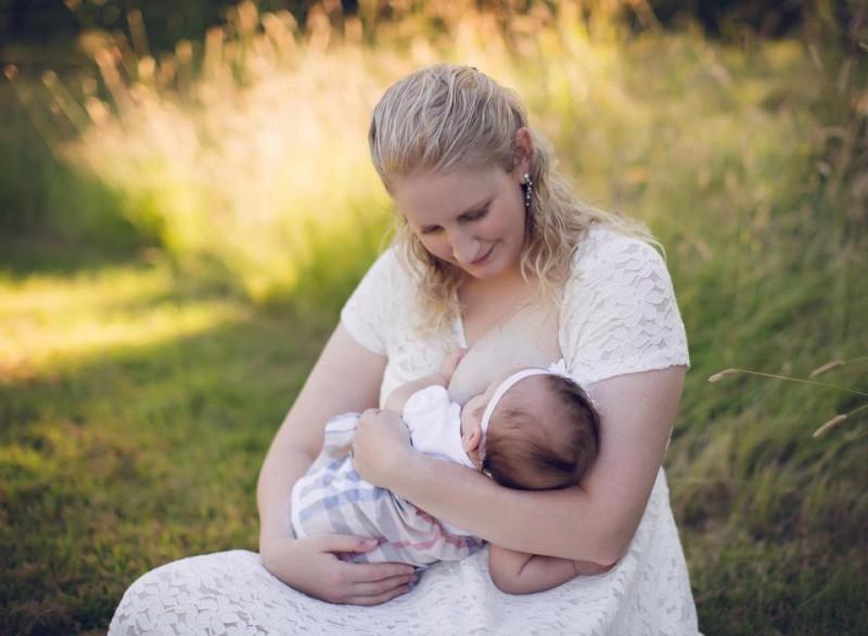 Женщина с синдромом гиперлактации пожертвовала 2,5 тонны грудного молока