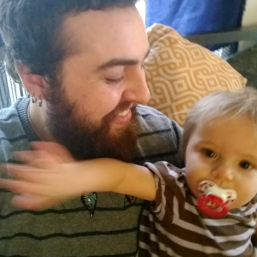 Мужчина, родивший ребенка, считает, что малыш сам определит свой пол