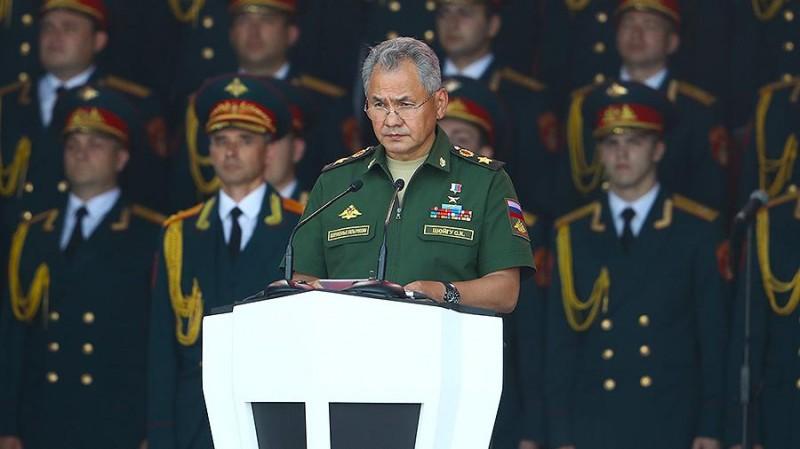 Шойгу сравнил российскую армию с ледоколом