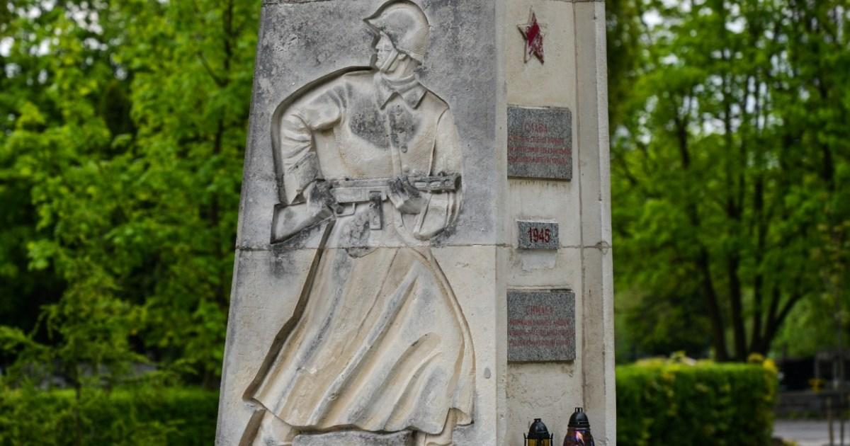 В Польше вступает в силу закон «о декоммунизации»