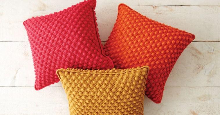 Вяжем крючком уютные подушки узором «Попкорн»