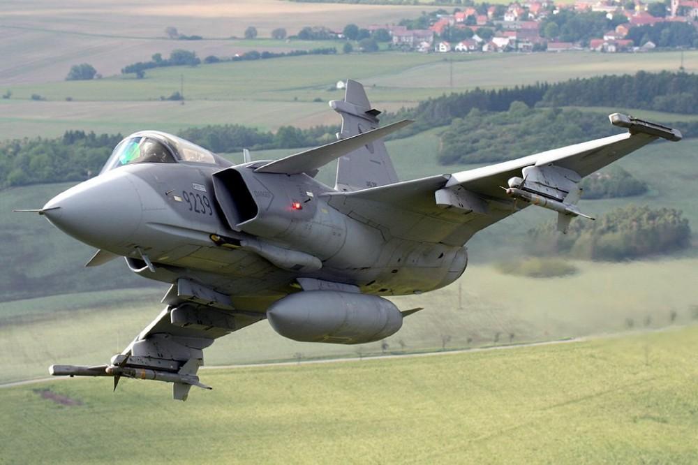 """Вот тебе и братушки! Болгария выбрала шведский истребитель JAS-39 """"Грипен"""" вместо МиГ-29"""