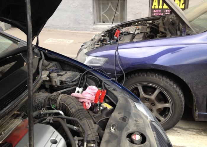 Почему опасно «прикуривать» чужую машину