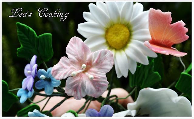 Цветы из мастики - простой мастер-класс для начинающих