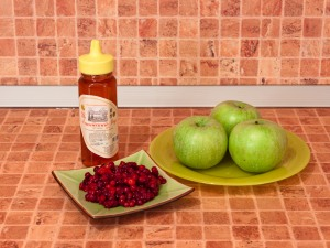 Яблоки, запеченные с брусникой и медом. Ингредиенты
