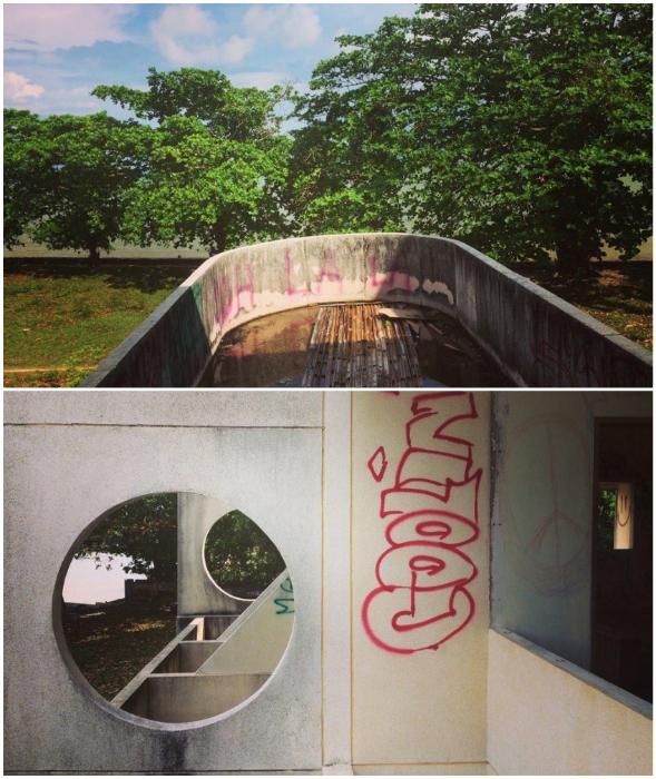 Территория и само здание приходит в полный упадок не без помощи людей и природы (о. Самуи, Таиланд). © Ольга Салий.