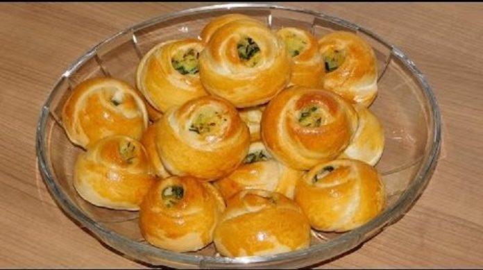 Быстрые булочки-розочки с картошкой