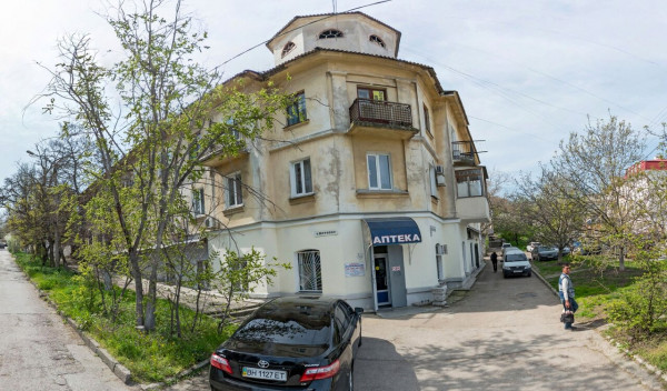Аптеки в Севастополе исчезают молча